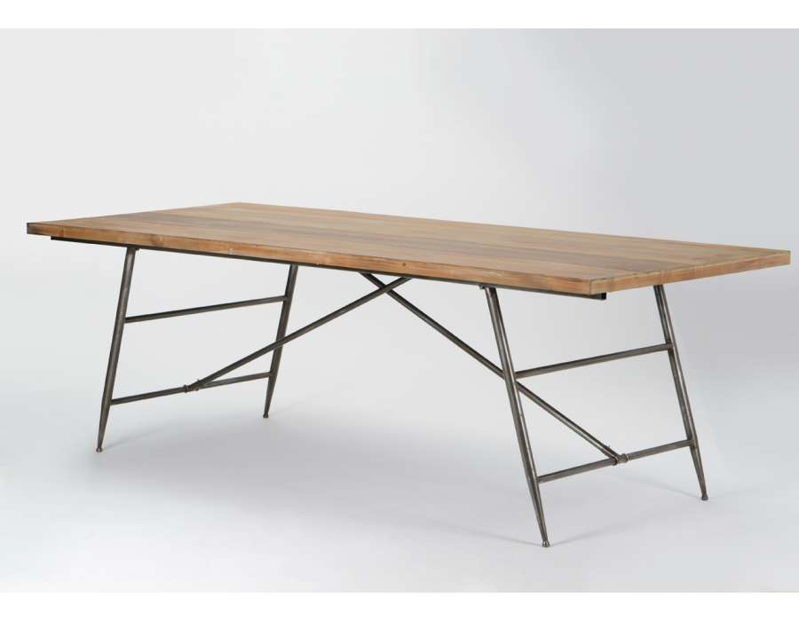 Grande table en bois for Grande table industrielle