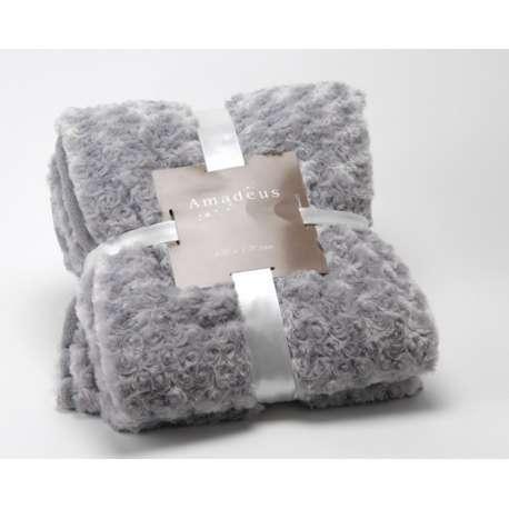 plaid gris clair ou couverture canap grise. Black Bedroom Furniture Sets. Home Design Ideas