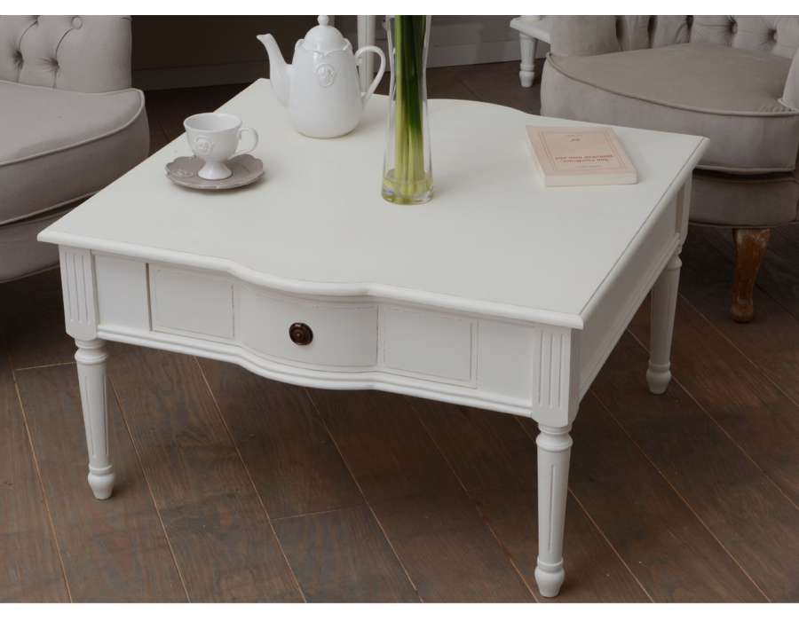 Table basse blanche carr e shabby chic amadeus for Table blanche