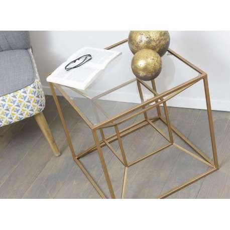 Bout de canapé verre et or cubique