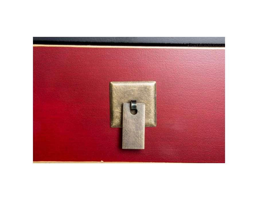Console galbée japonaise noire et rouge