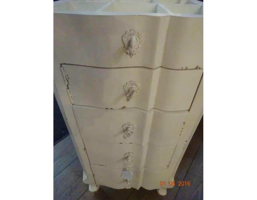 meuble bijoutier blanc patin romantique amadeus. Black Bedroom Furniture Sets. Home Design Ideas