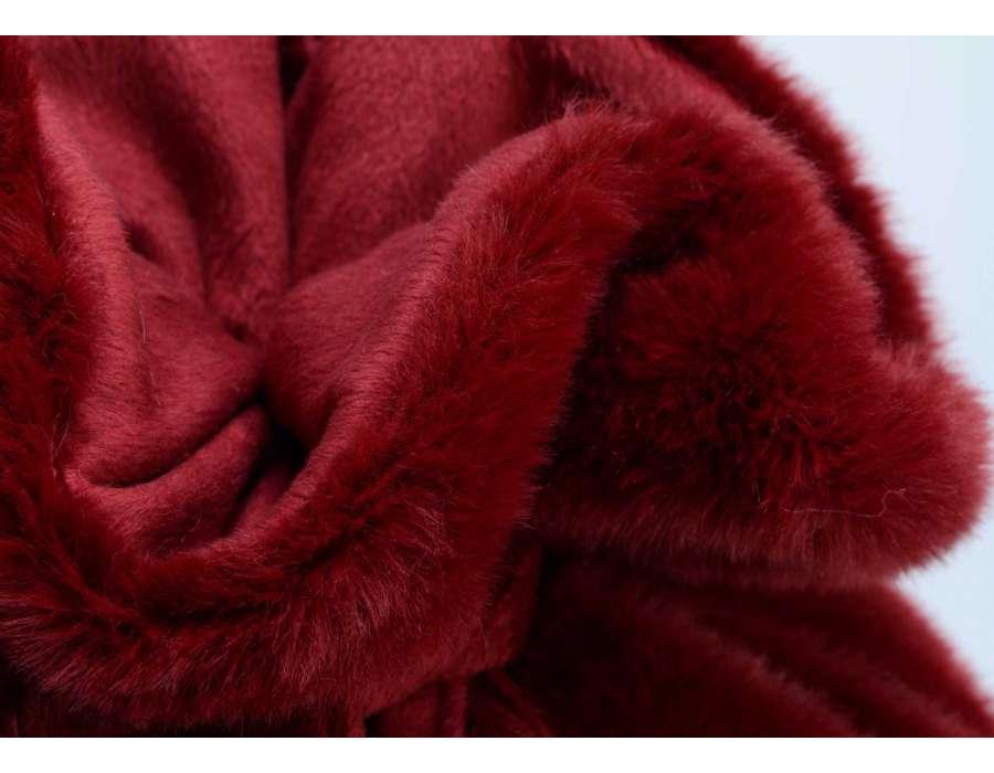 plaid fourrure rouge 170 130 cm couverture amadeus. Black Bedroom Furniture Sets. Home Design Ideas