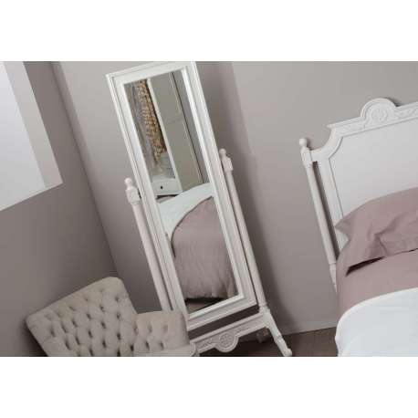 miroir sur pied romantique blanc de la marque amadeu. Black Bedroom Furniture Sets. Home Design Ideas