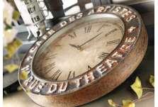Horloge ronde vieillie café des artistes