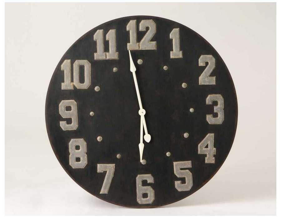 Horloge ronde en m tal noir vintage amadeus for Horloge metal noir