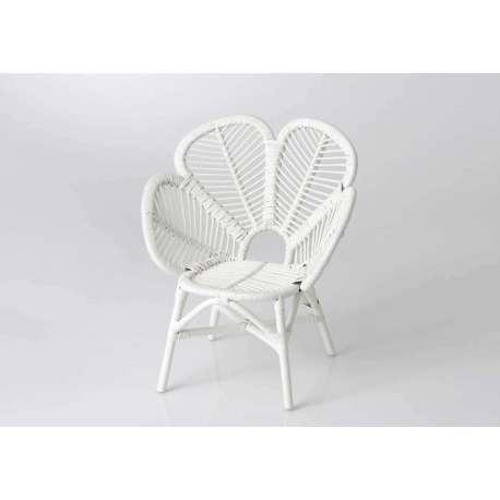 fauteuil enfant blanc forme fleur en rotin pas cher. Black Bedroom Furniture Sets. Home Design Ideas
