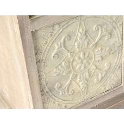 Armoire cérusée vitrée 2 portes sculptée