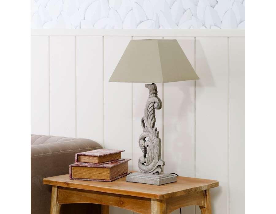 lampe de chevet en bois sculpt romantique 58 cm. Black Bedroom Furniture Sets. Home Design Ideas