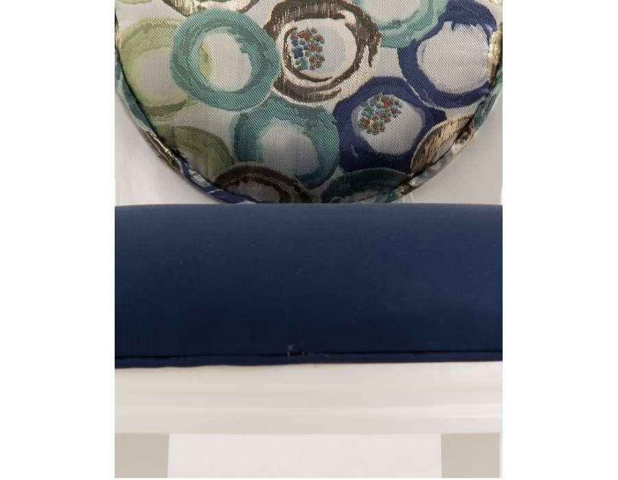 Chaise médaillon bleue tapissée