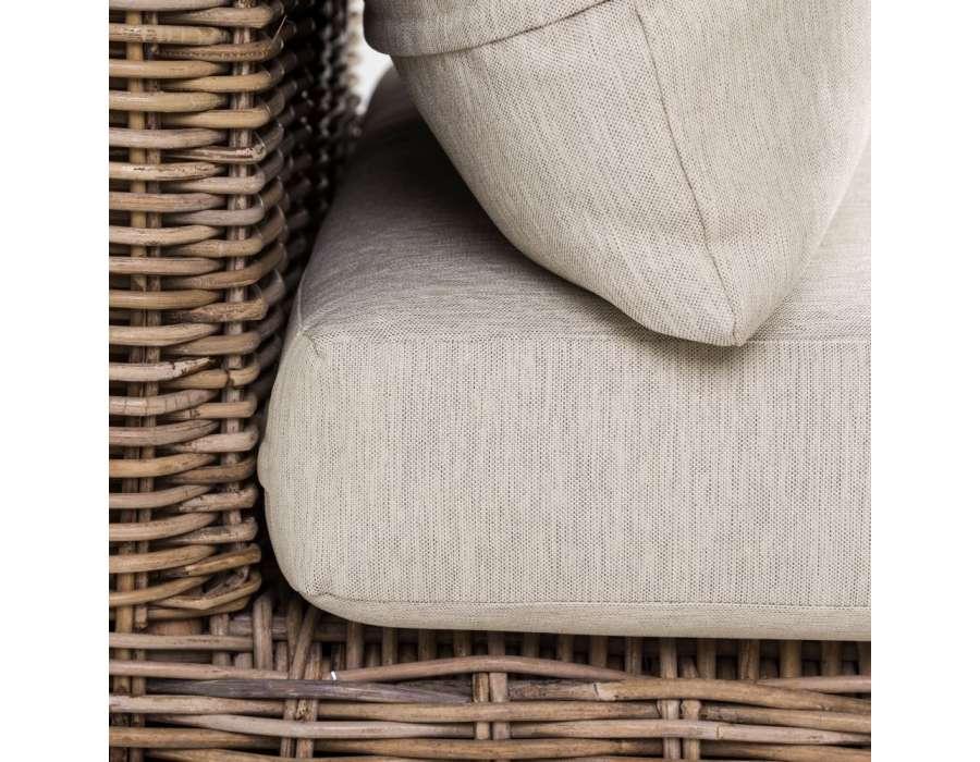 Chaise longue en rotin naturel avec coussin