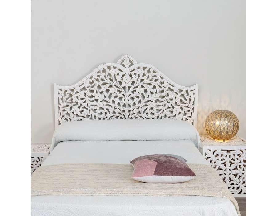 tete de lit oriental tete de lit oriental tete de lit orientale latest with lit oriental. Black Bedroom Furniture Sets. Home Design Ideas