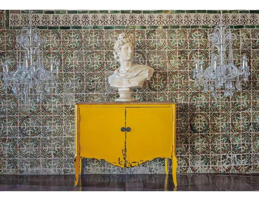 Buffet jaune vieilli baroque