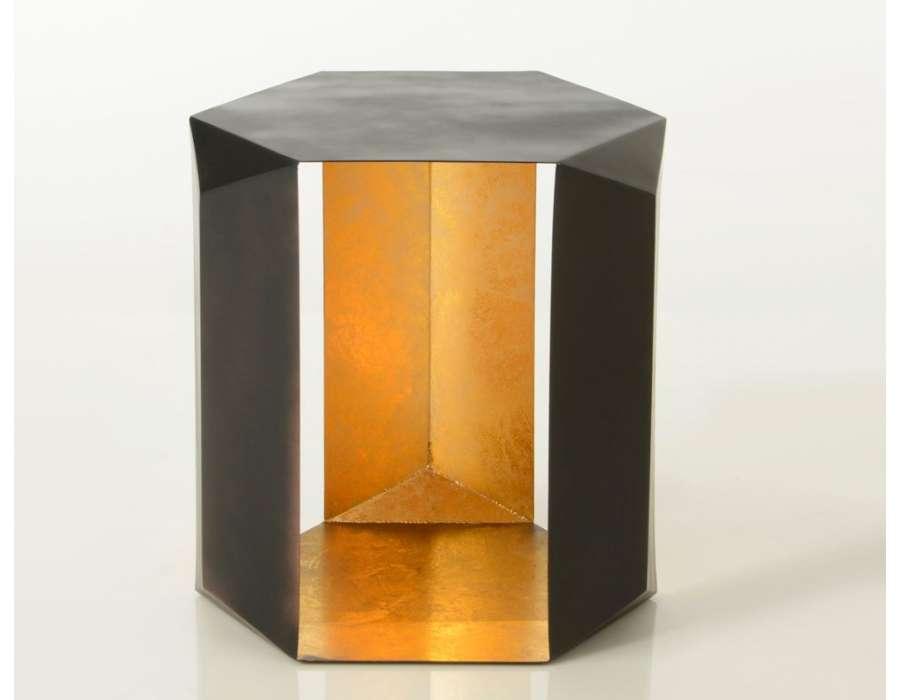 Bout de canapé design chic noir et doré Origami