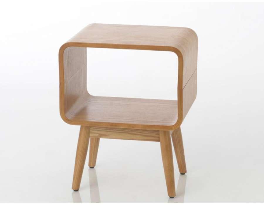 Table de nuit arrondie bois contemporaine marque amadeus