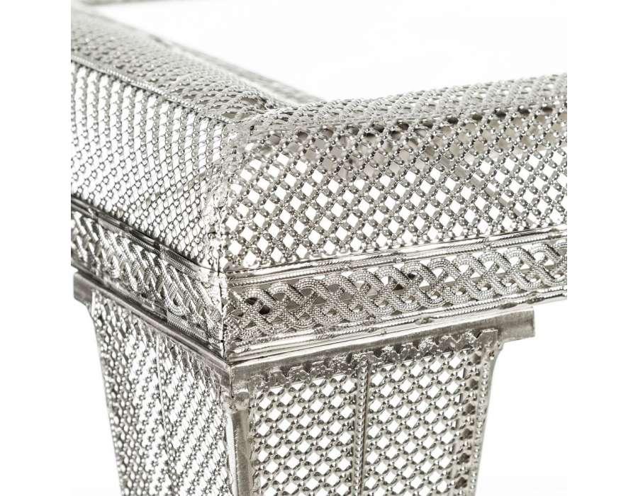 Bout de canapé marocain en fer sculpté argenté et miroir