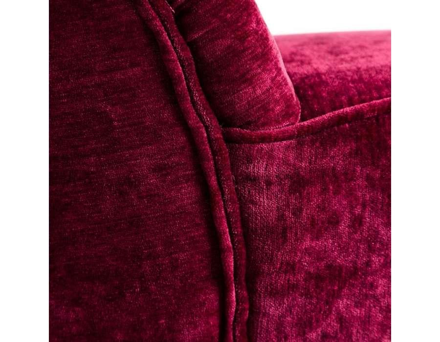 Chauffeuse rouge velours sur socle