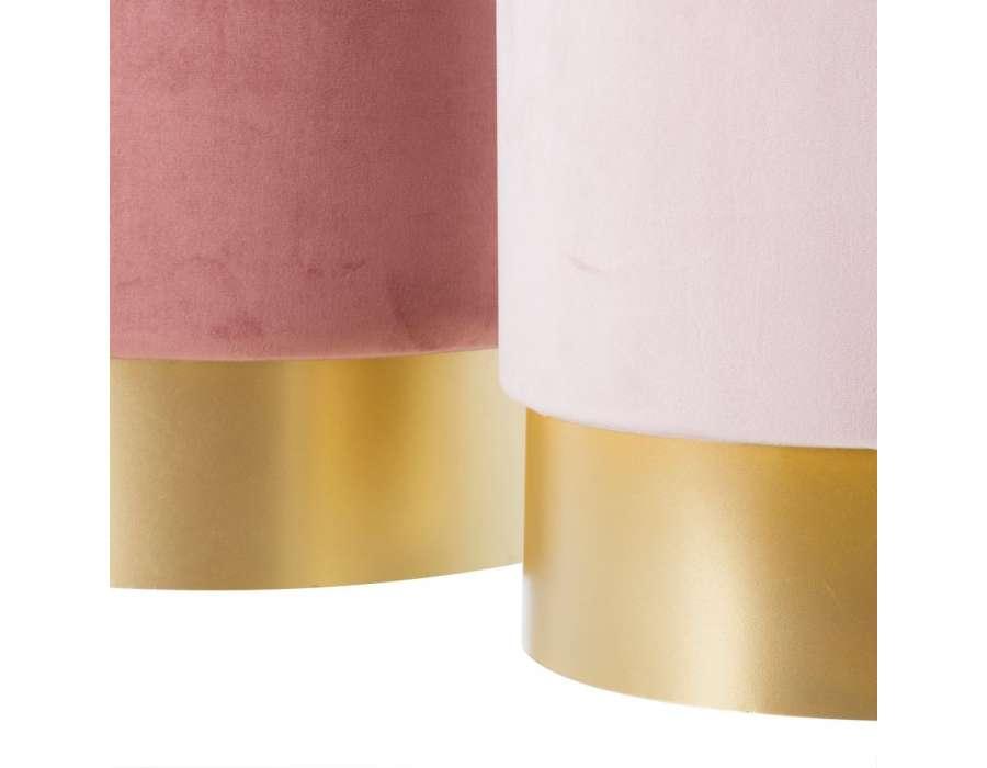 Poufs coffres roses sur socle doré par 2