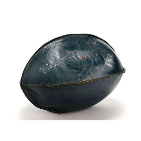 Ballon de rugby vintage en cuir bleu