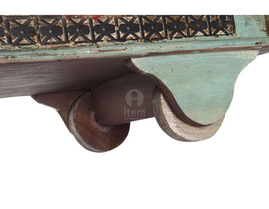 Coffre indien coloré sur roues