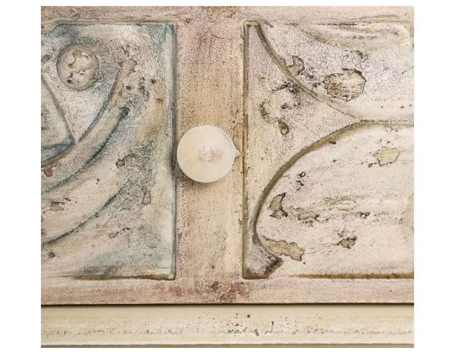 Commode vieillie sculptée 3 tiroirs Irene