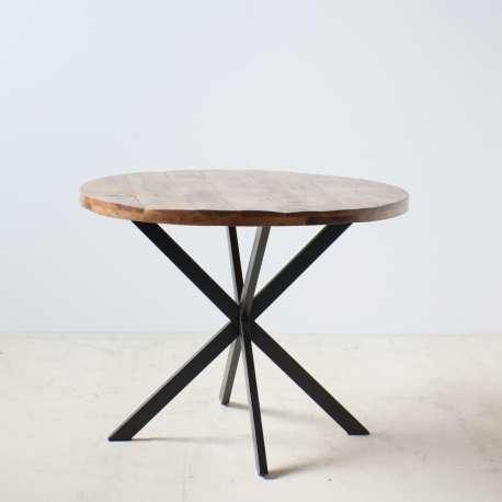 Table de salle à manger marron en bois naturel