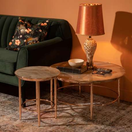 Table basse dorée en acier