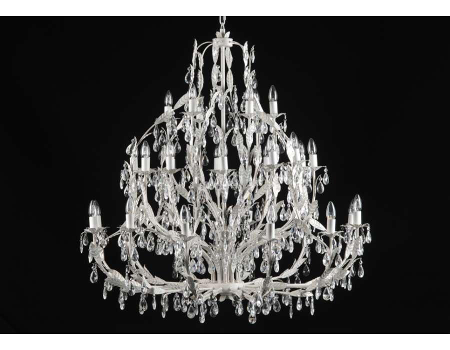 lustre 30 ampoules pour haut plafond. Black Bedroom Furniture Sets. Home Design Ideas